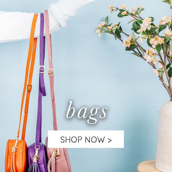 01-03 Gifts Landing - Bags