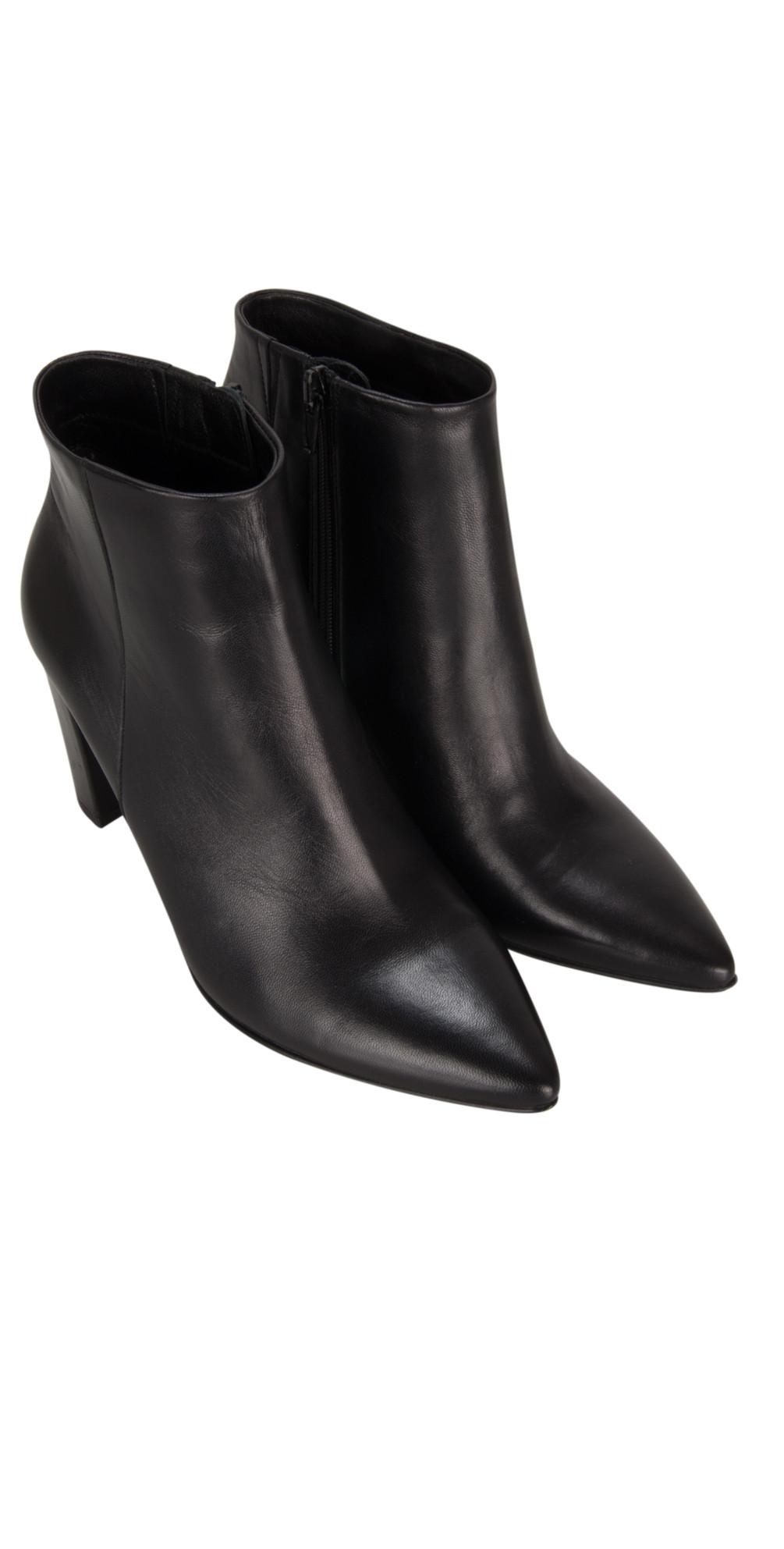 kennel und schmenger uma nappa ankle boot in schwarz. Black Bedroom Furniture Sets. Home Design Ideas