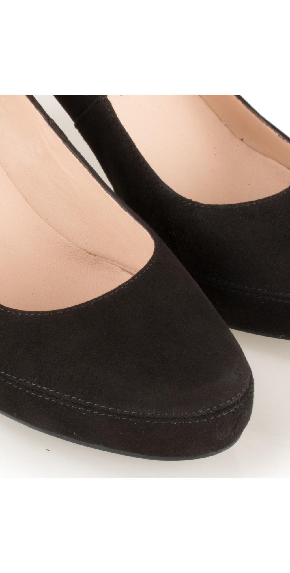 37287ecff8d3 Unisa Shoes Numar Court Shoe in Black