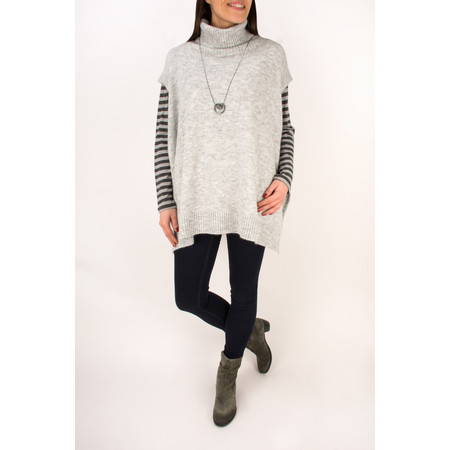 Amazing Woman Alina K Poncho - Grey