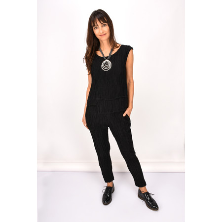 Grizas Kamile Solid Crush Top - Black
