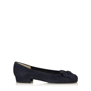 Gemini Label  Closed Suede Classic Flower Pump