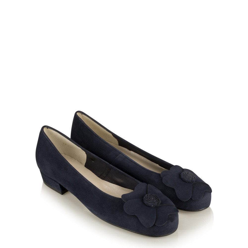 Gemini Label Shoes Closed Suede Classic Flower Pump Navy