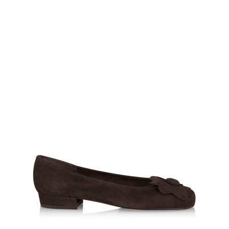 Gemini Label Closed Suede Classic Flower Pump - Brown