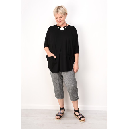 Q'neel Jersey Oversized Top with Pockets - Black