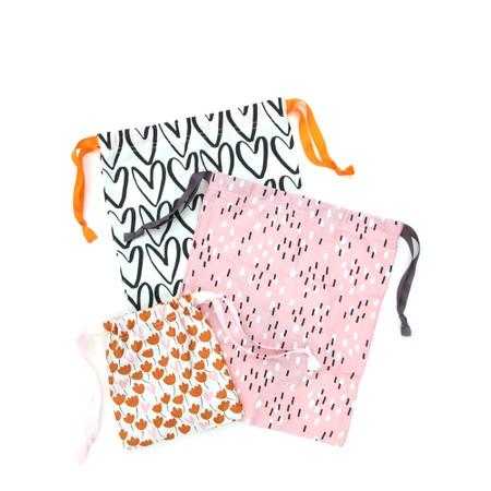 Caroline Gardner Floral Hearts Drawstring Travel Bag Set - Orange