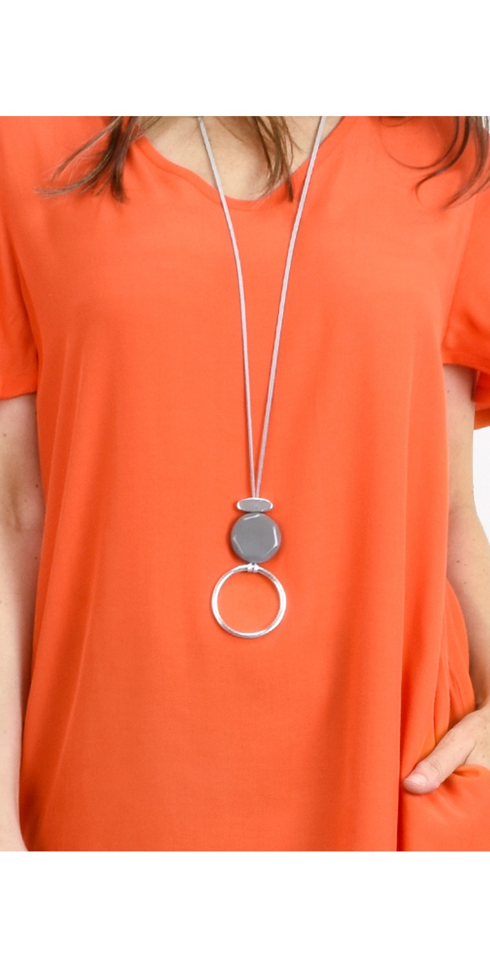 Areona Circle Resin Pendant Necklace main image