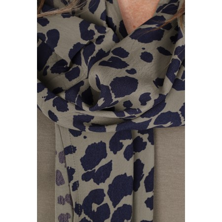 Masai Clothing Along Leopard Print Scarf - Green