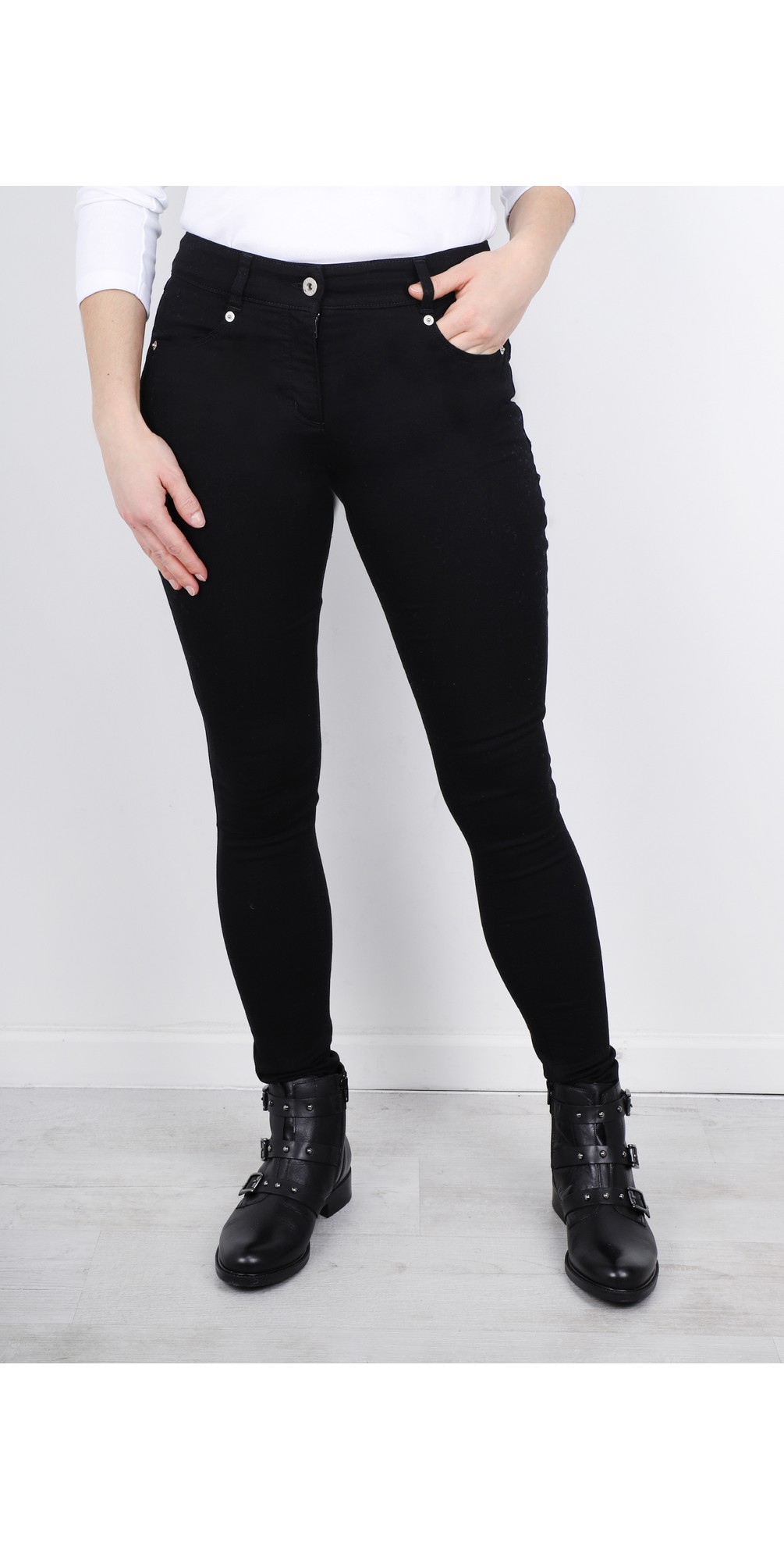 Star Power Stretch Black Skinny Jean main image