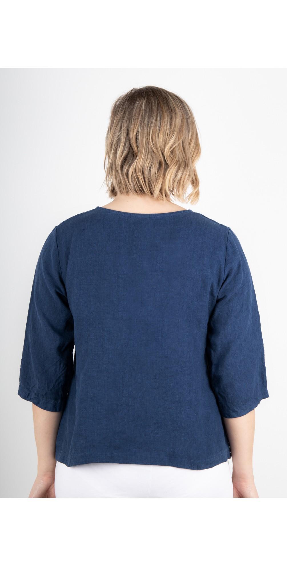 Erin Linen Three Quarter Sleeve Two Pocket Top main image