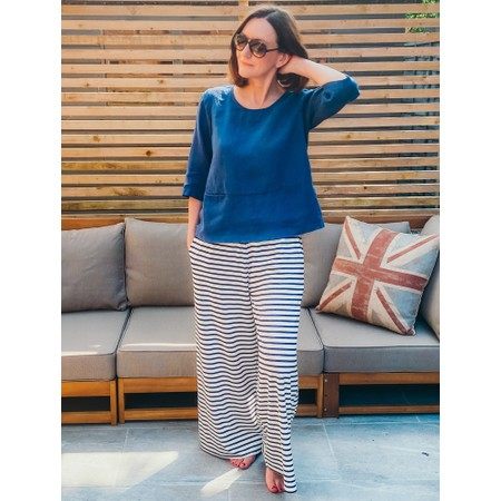 Thing Erin Linen Three Quarter Sleeve Two Pocket Top - Blue
