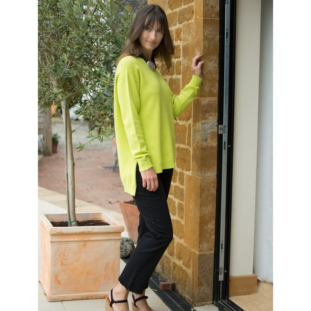 Amazing Woman Maggie Seam Front Supersoft Jumper Flo Green