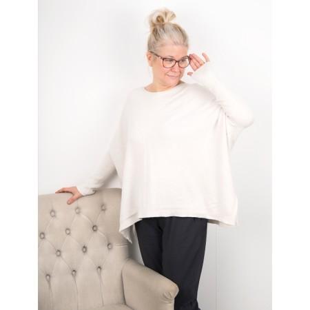 Amazing Woman  Faith Front Seam Oversized Knit - White