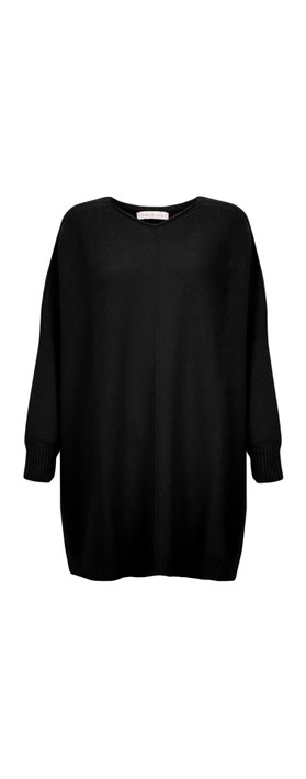 Amazing Woman Cassi X Round Neck Front Seam Knit Black