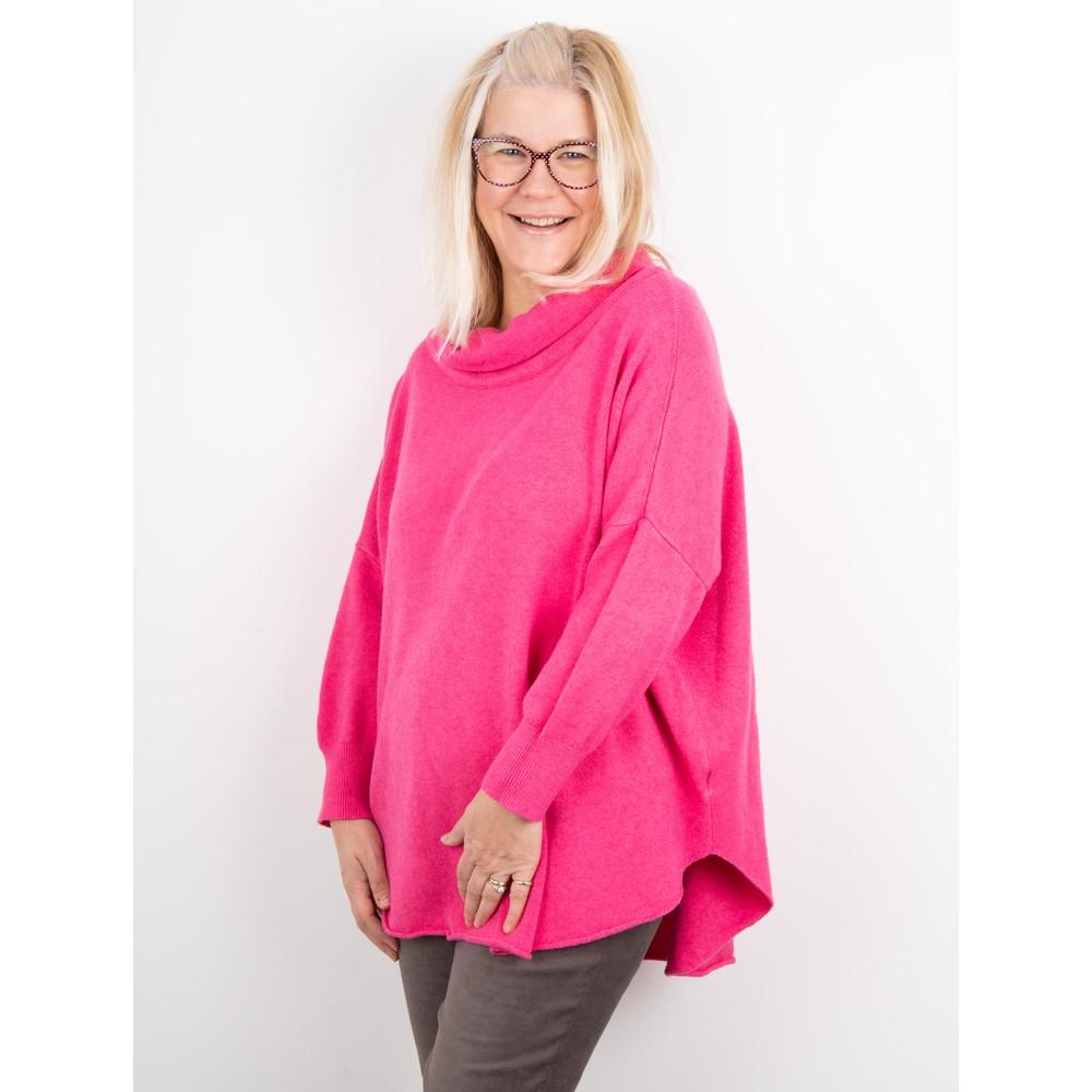 Amazing Woman Vera Oversized Knit Jumper Fuchsia