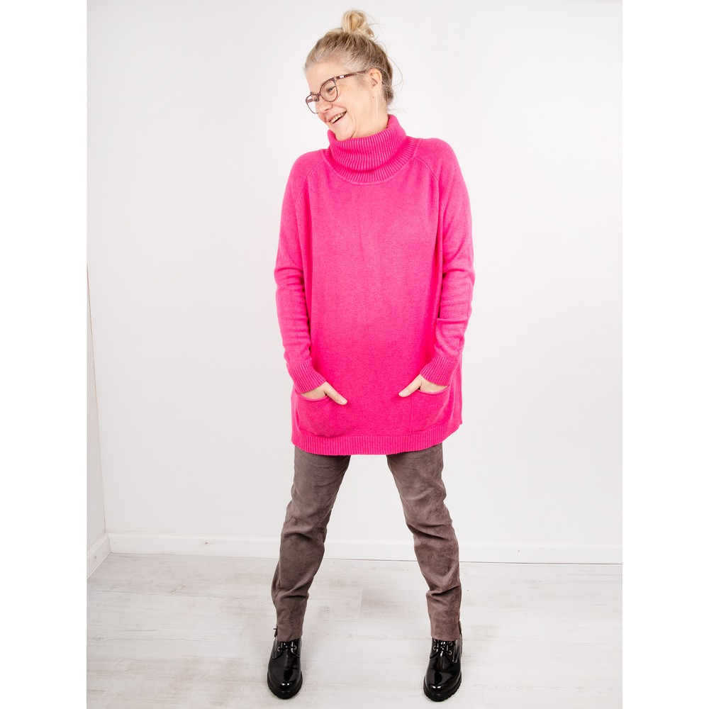 Amazing Woman Anna Two Pocket Relaxed Fit Jumper Fuchsia