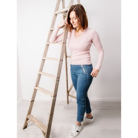 Amazing Woman Tara V Neck Slimfit Fine Knit Jumper - Pink