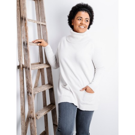 Amazing Woman  Anna Two Pocket Relaxed Fit Jumper - White