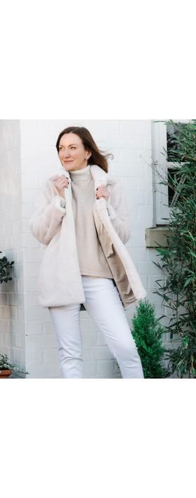Amazing Woman  Cosy Faux Fur Jacket Smoke
