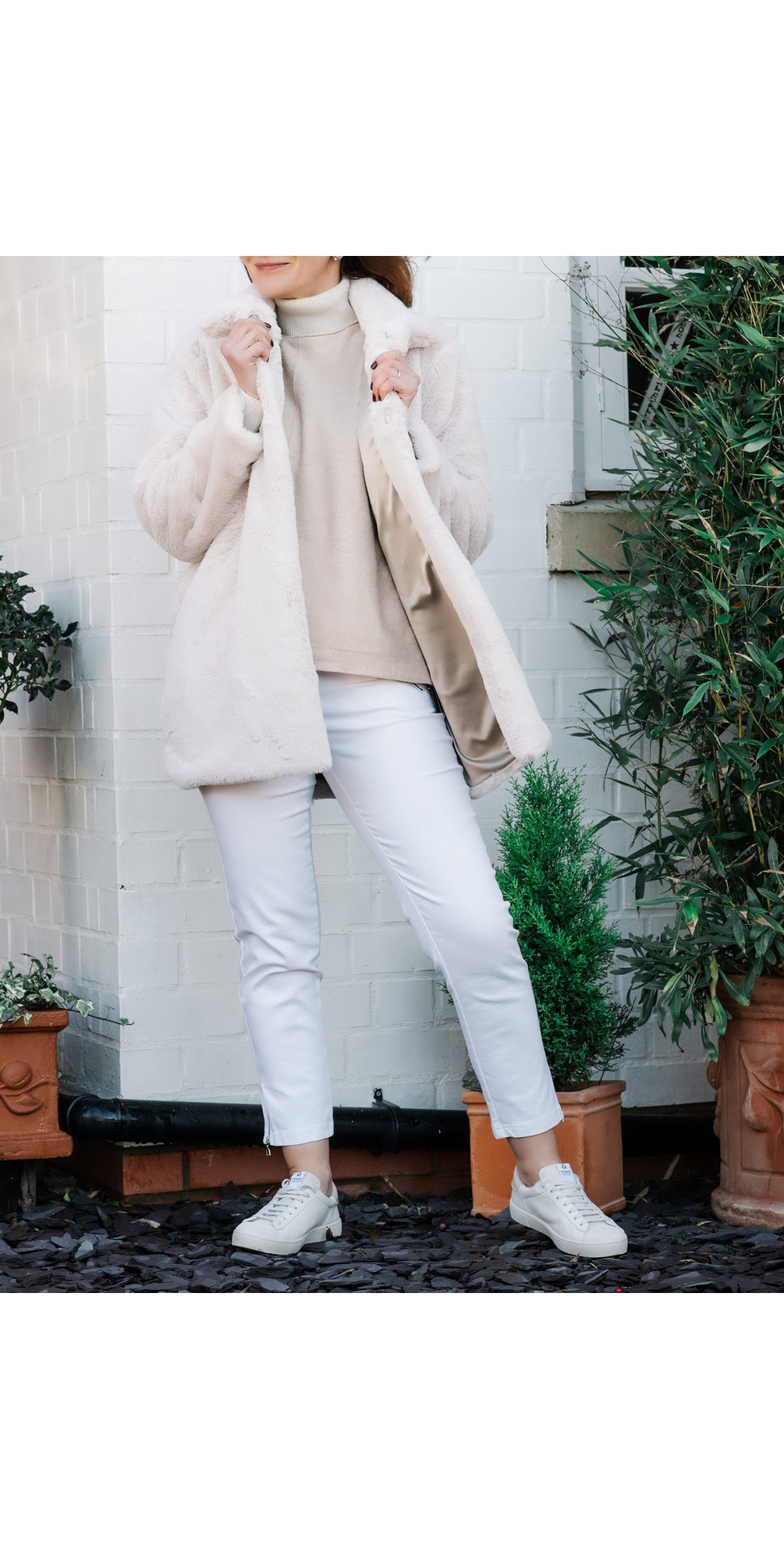Nena 09 White Ankle Zip Cropped Powerstretch Jean main image