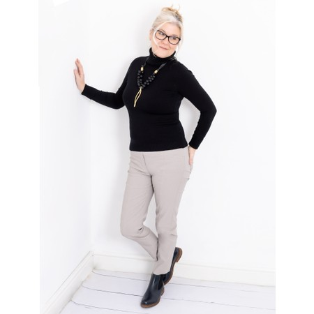 Amazing Woman Britt Fineknit Fitted Polo Neck Jumper - Black