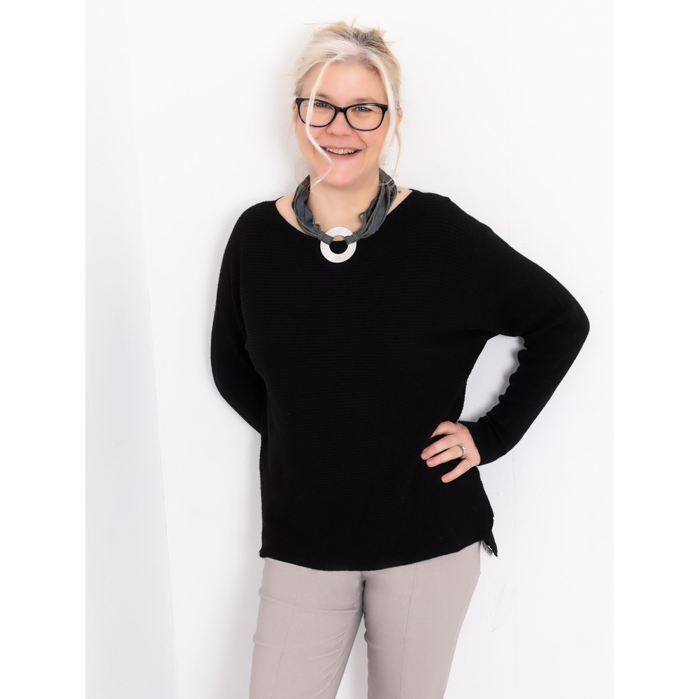 Amazing Woman Celia Round Neck Ribbed Knit Black