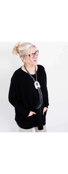 Amazing Woman Caryf X Round Neck Oversized Jumper Black
