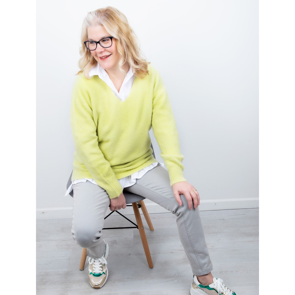 Amazing Woman Carin V Neck Cosy Knit Pistachio