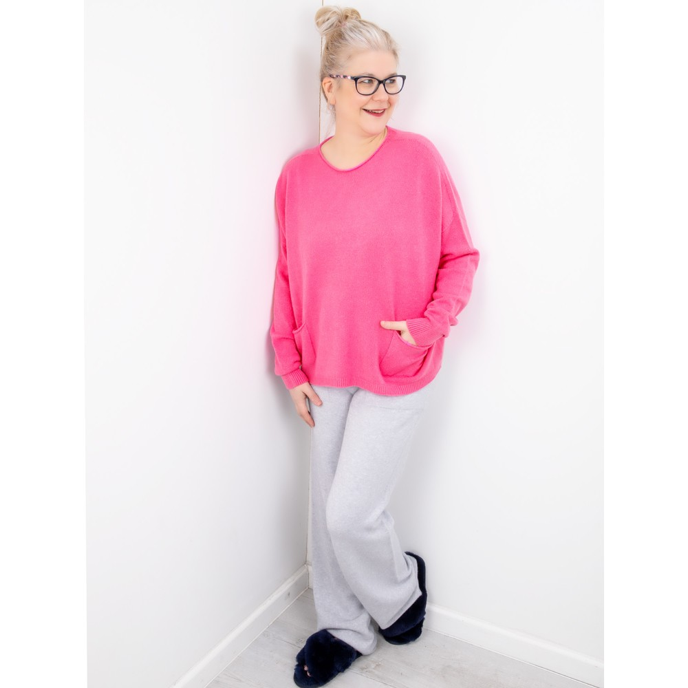 Amazing Woman Jodie Front Pocket Supersoft Knit Jumper Magenta