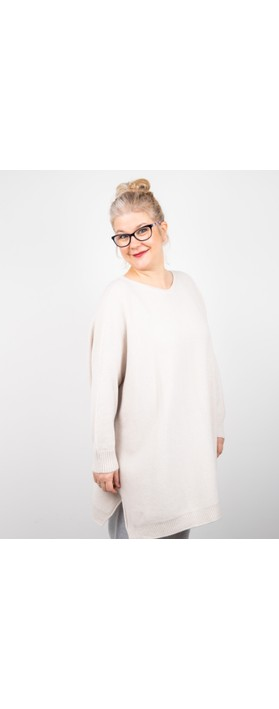 Amazing Woman Cassi X Round Neck Front Seam Knit Ivory