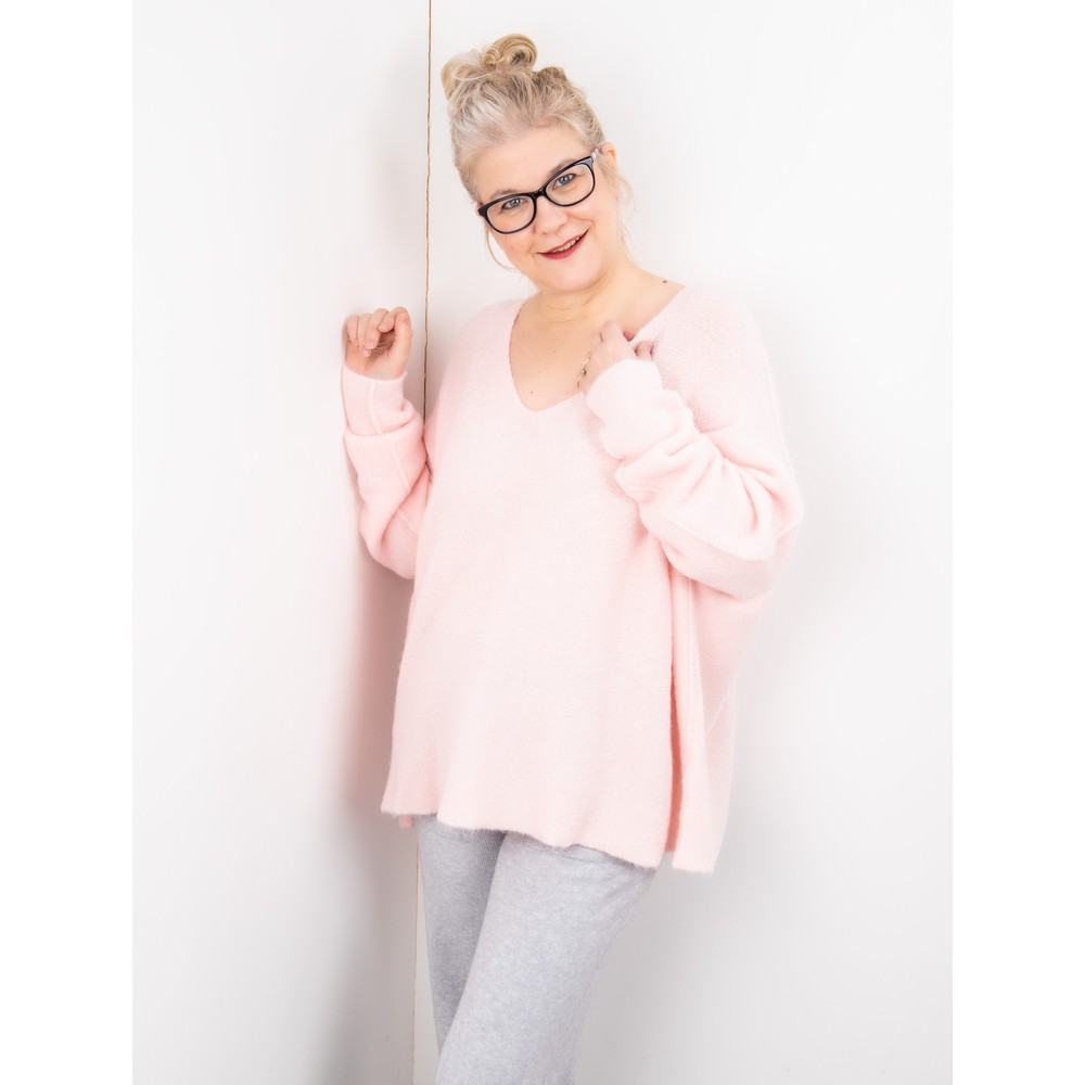 Amazing Woman Cadee V Neck Oversized Cosy Knit Pale Pink