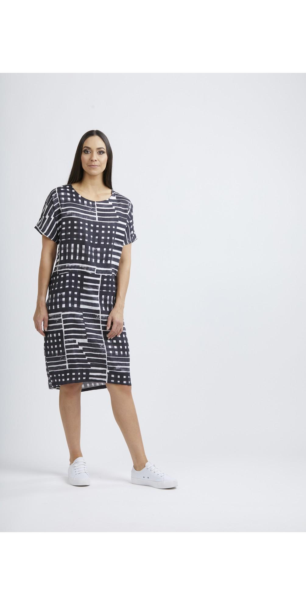 Scaling Up Linen Dress main image