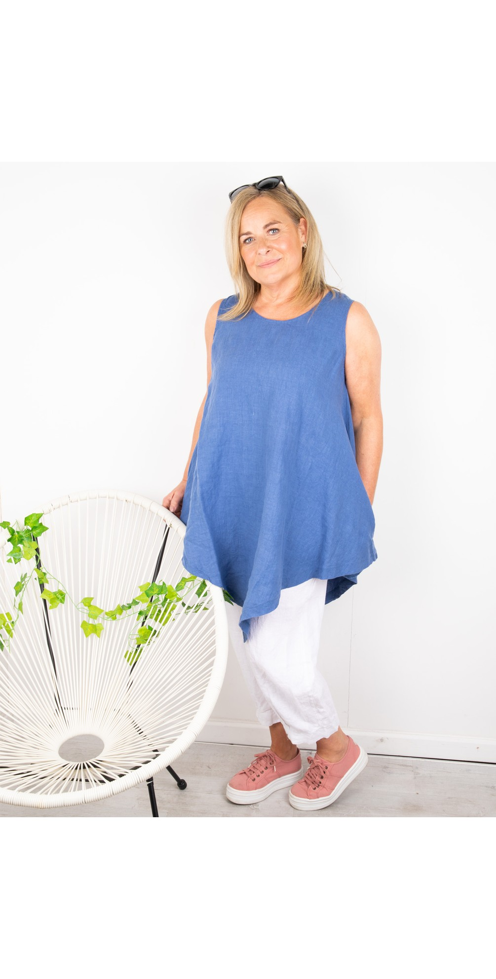 Indi Easyfit Linen Sleeveless Top main image