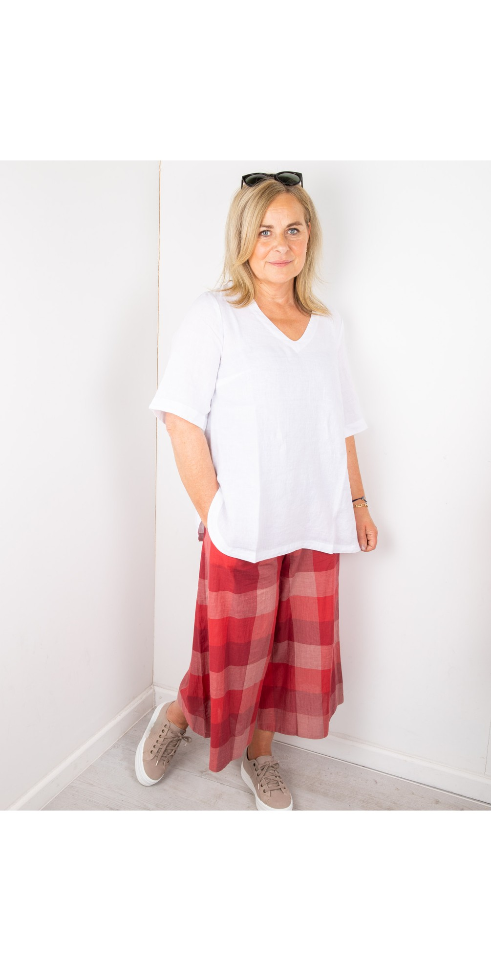 Annette Linen Short Sleeve Top main image