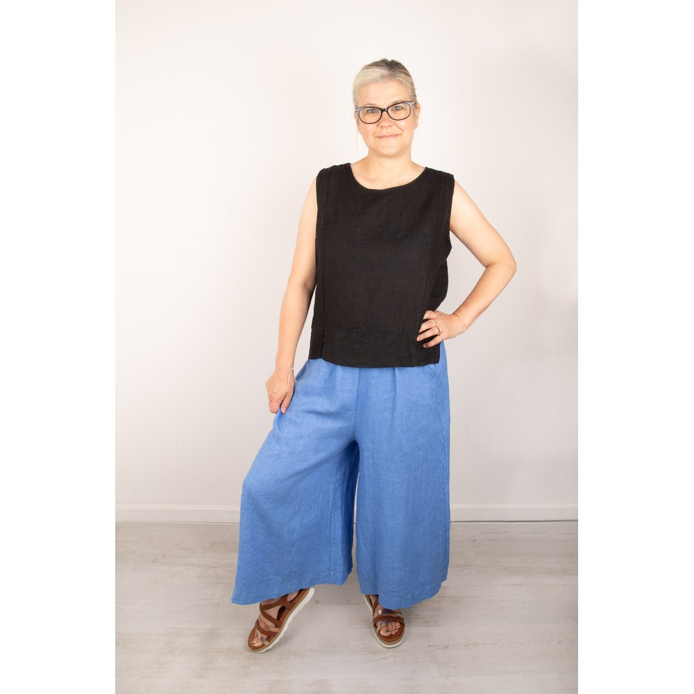 Amazing Woman Lucie Top Black