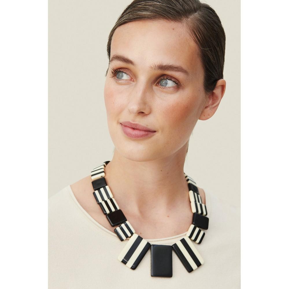 Masai Clothing Renilla Necklace Black