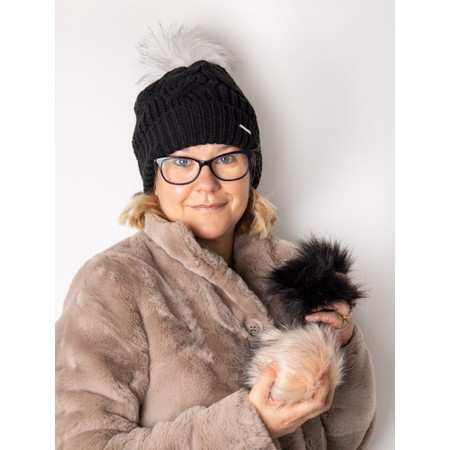 RINO AND PELLE Aaf Beanie Hat + 3 Interchangeable Faux Fur Poms - Black