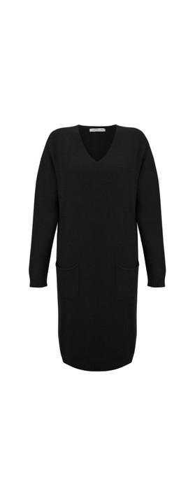 Amazing Woman Pollie V Neck Dress Black